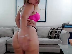 Delicius Latina Busty Mommy -..